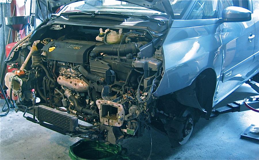 Montage motor na revisie of vervanging, in- en uitbouw motor
