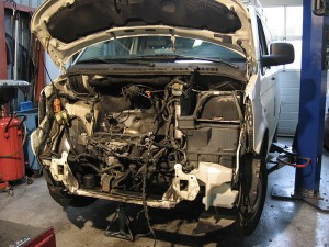 De-en monteren VW T5 cilinderkop