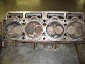 Volvo B20 cilinderkop voor revisie