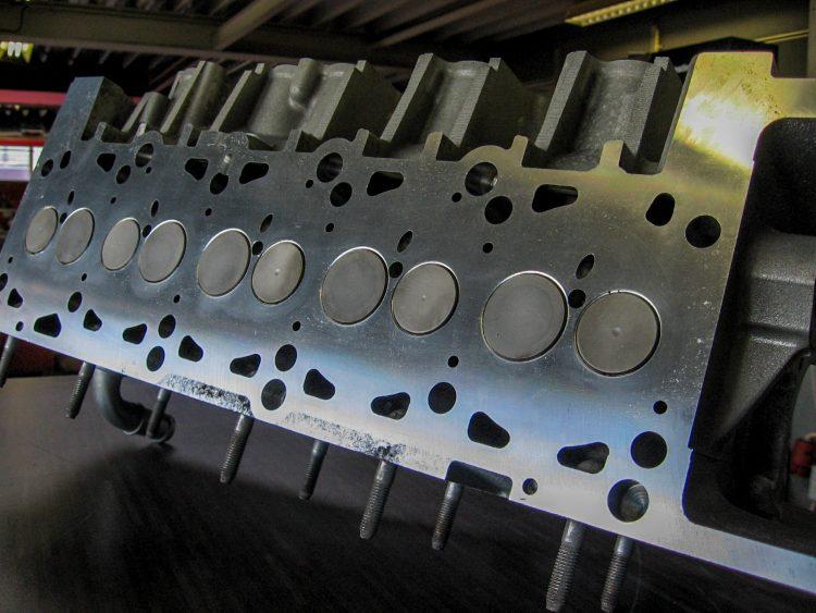 VW T5 2.5 TDi cilinderkop met stalen bussen